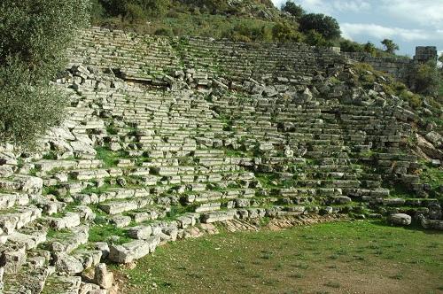 le théatre de Caunus (5000 places)