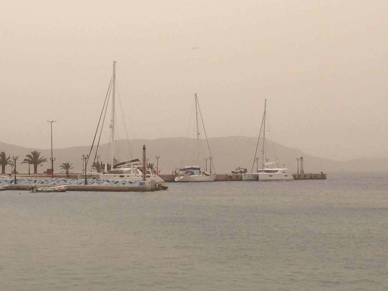 nuage de sable sur PYLOS (le souffle de KADAFI)
