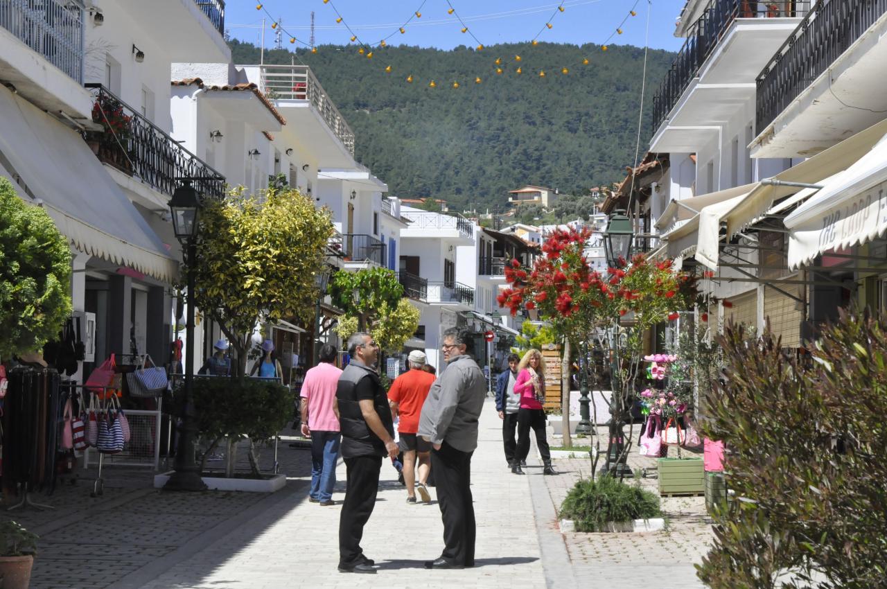LA MAIN STREET DE SKIATHOS